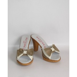 H.H. TAUPE ICE SANDALS