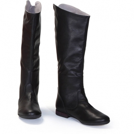 TOTAL BLACK BOOTS